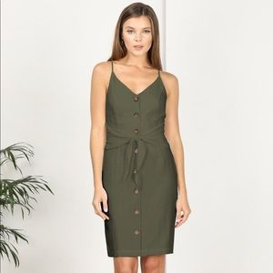 NWT Adelyn Rae Tie Front Dress